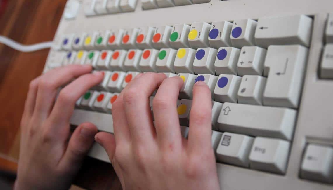 10 finger schreiben spiel