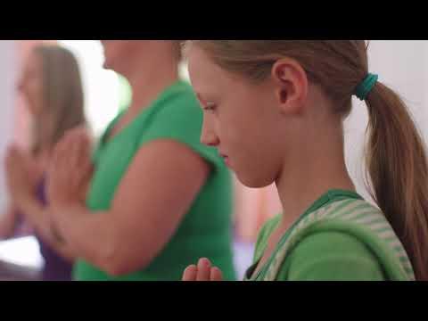 Kinder-Yoga für ALLE für eine bessere Zukunft #yogawoche #charity