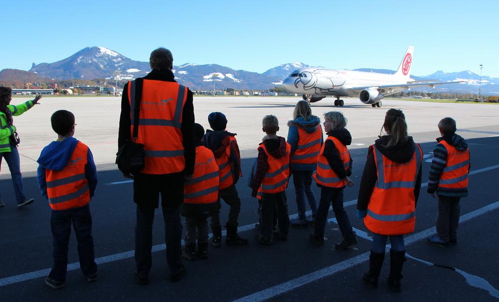Idee für den Kindergeburtstag: Kinder-Führung am Flughafen