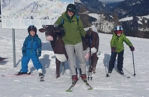 Skifahren mit Kind: Familienfreundliches Skigebiet Lofer