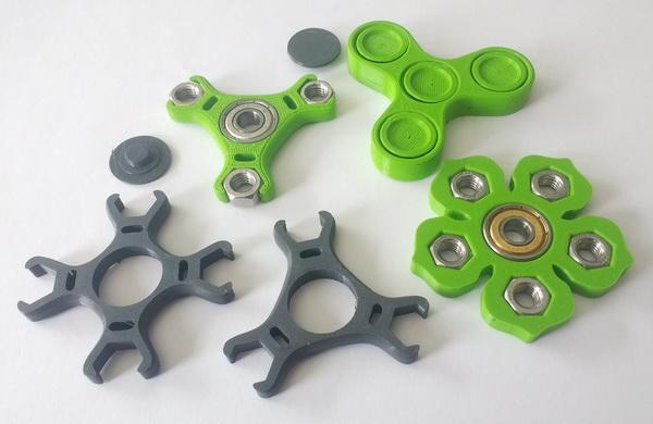 3D-gedruckte Fidget Spinner mit und ohne Kugellager