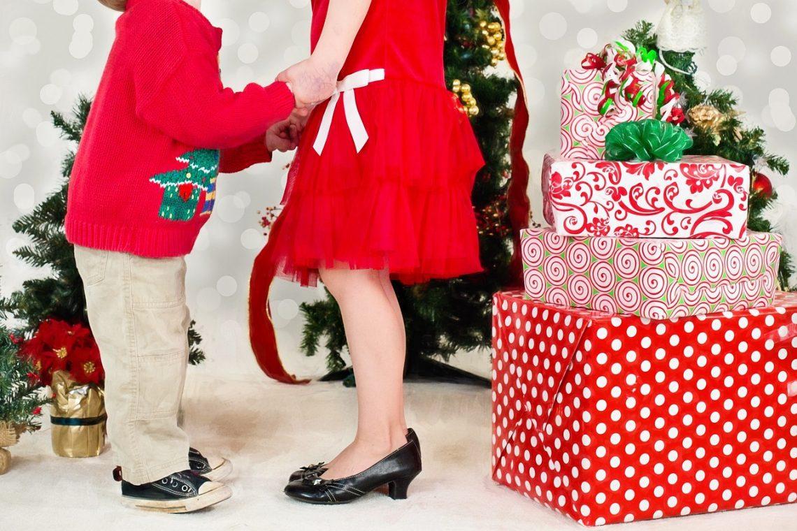 Die Wahrheit über Weihnachten: 13 emotionale Phasen, denen Eltern nicht entkommen