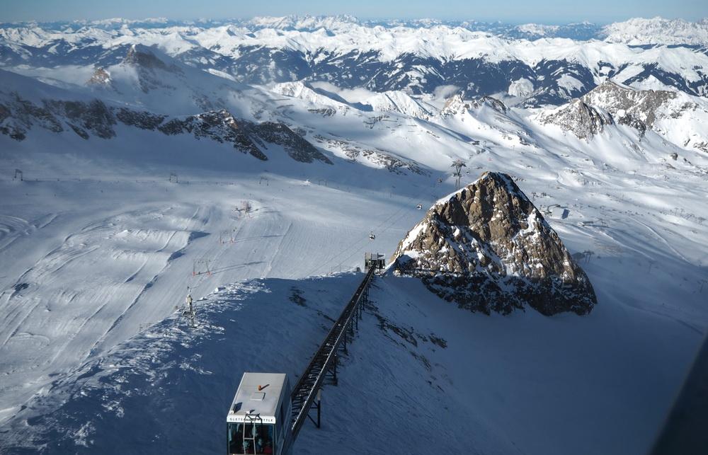 Skifahren mit Kindern: Gletscher-Skigebiet Kitzsteinhorn mit Schneegarantie
