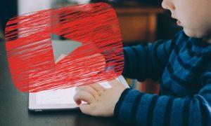 Bei welchen YouTubern die elterlichen Alarmglocken schrillen sollten