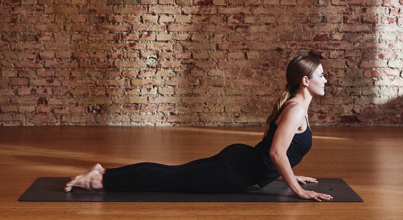 Yoga mit Kind: 5 einfache Übungen für Mutter und Kind: Kobra