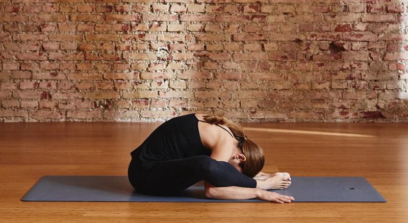 Yoga mit Kind: 5 einfache Übungen für Mutter und Kind: Krebs