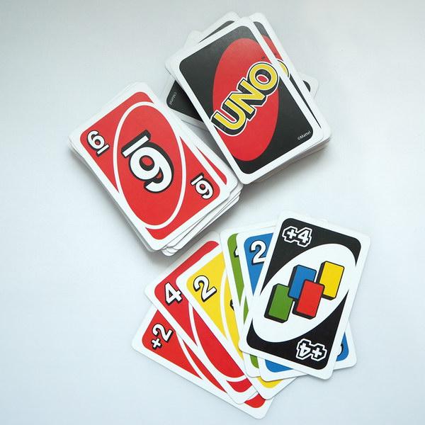 Spiele für Familien: UNO