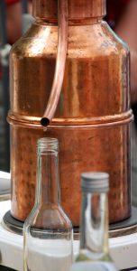 Rosenhydrolat Destille