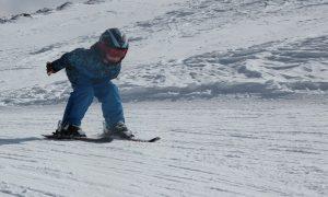 Winterurlaub mit der Familie: Top 5 Skigebiete + familienfreundliche Unterkunft finden mit BestFewo