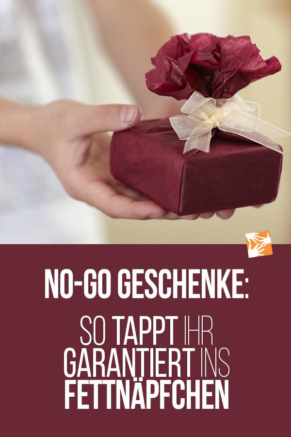 No-go Geschenke: Diese Geschenke gehen gar nicht. So tappt ihr garantiert ins Fettnäpfchen
