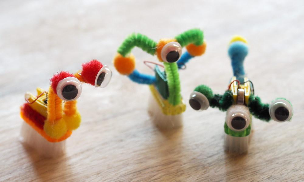 Idee für Kindergeburtstage: Zahnbürstenroboter bauen