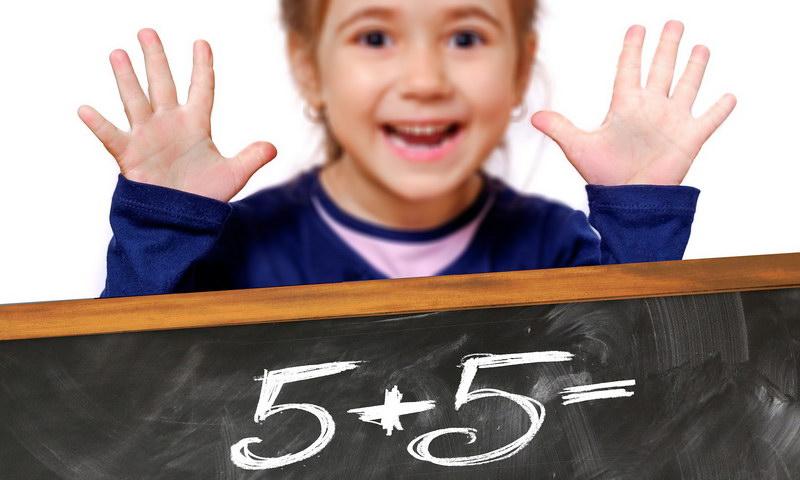 Richtig Kopfrechnen lernen mit Hilfe der Zehnerzerlegung: Tipps der Lerntherapeutin