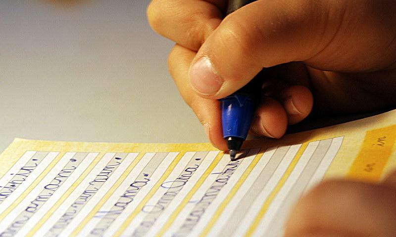 Wie Eltern den Druck aus den Hausaufgaben nehmen können