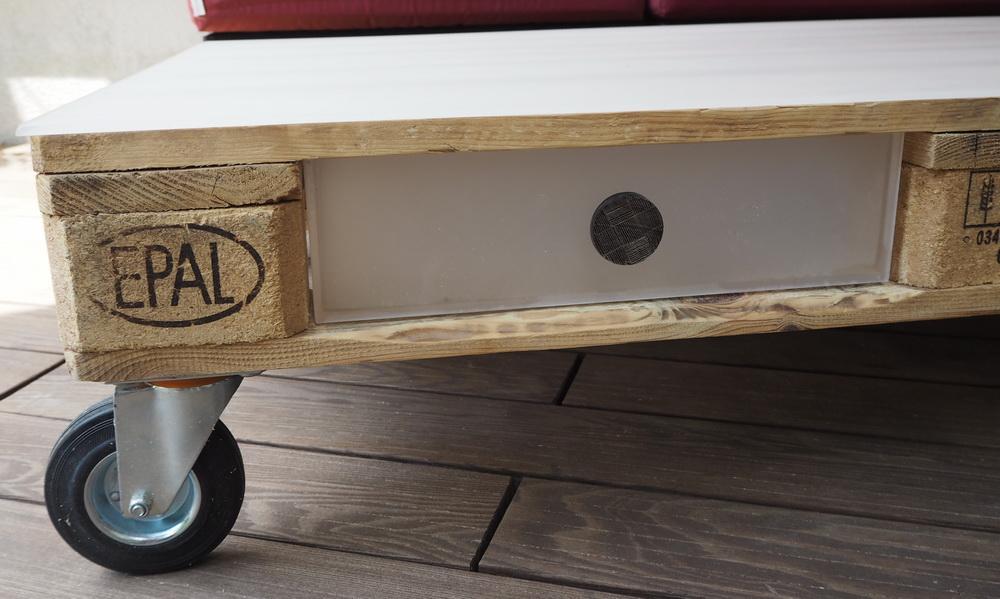 DIY: Palettentisch mit Schubladen aus Acrylglas
