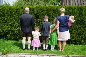 Großfamilie: Kein Kind läuft einfach mit!