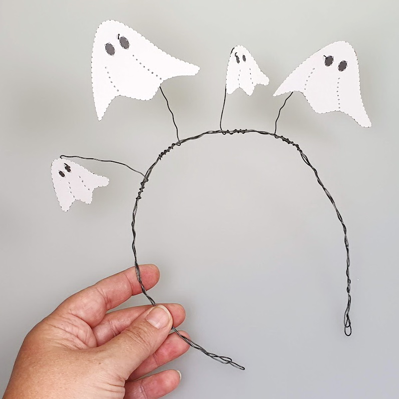 Last Minute Halloween DIY mit Prickeltechnik