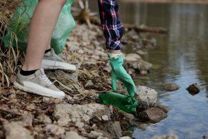 Müll: Sinnvolle Beschäftigung für Kind und Natur