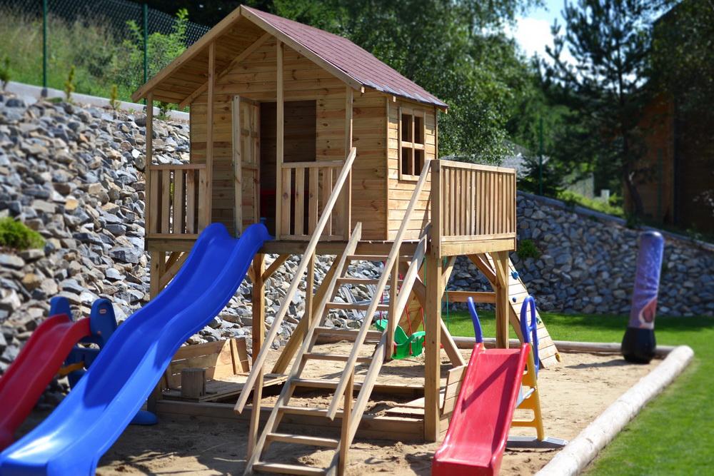 Anleitung: DIY-Spielturm für Kinder selber bauen