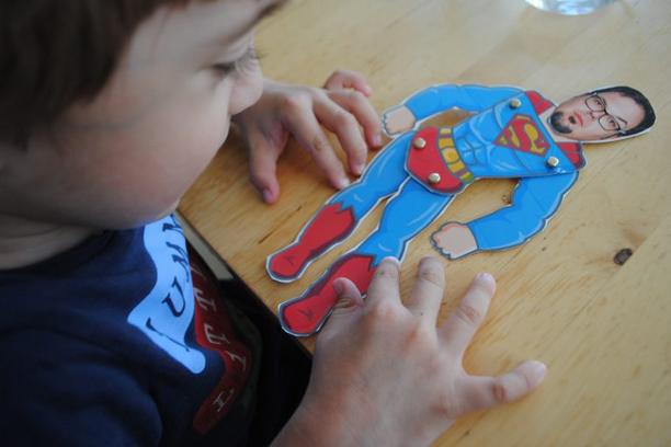 Vatertagsgeschenkidee: Superhelden-Hampelmann by einerschreitimmer.com