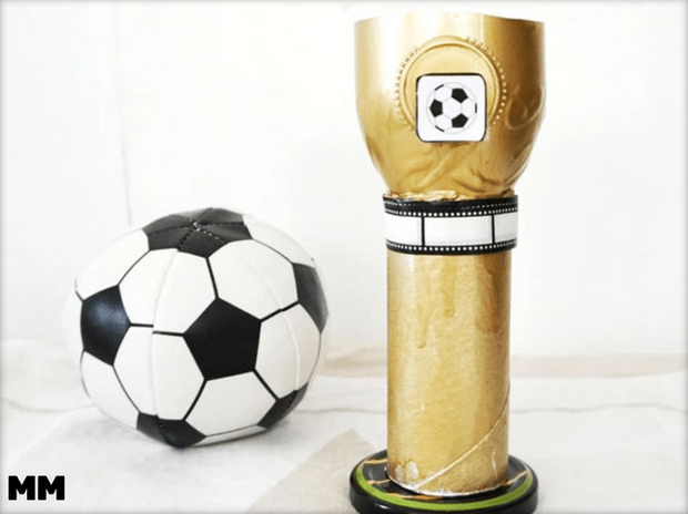 Selbstgemachter Pokal zum Vatertag by monstamoons.at