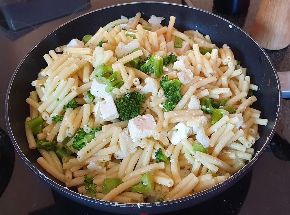 Schnelle Rezepte für Kinder: Broccoli-Nudelpfanne