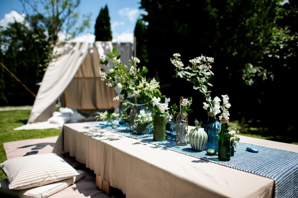 DIY-Sommerparty mit Chill-out-Zelt im Garten