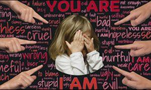 Kinder vor schädlichen Fremdurteilen schützen: Was Eltern tun können