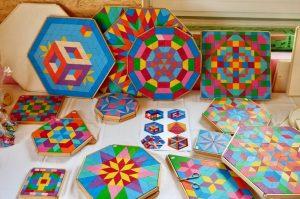 Kreativität fördern: Mandalas legen mit Kindern