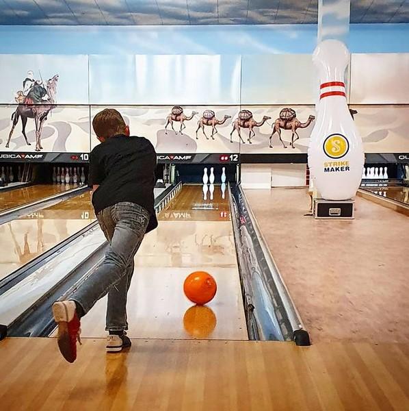 Aktivitäten mit Jugendlichen: Bowling