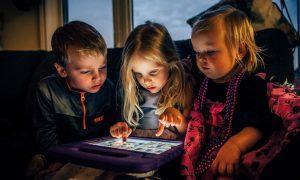 Kinder/Jugendliche online: 12 Eltern-Mythen über das Internet