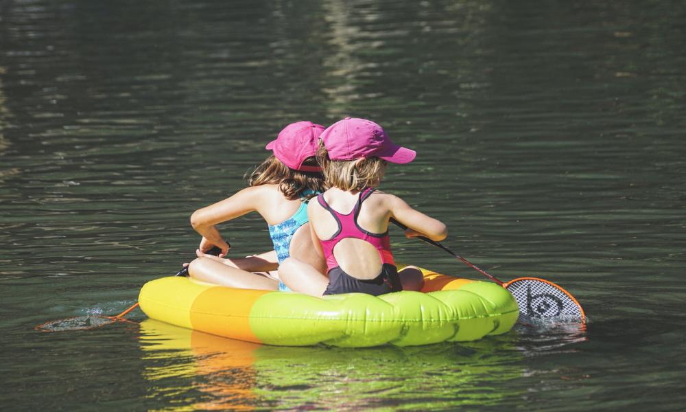 Sommer mit Kindern: Checkliste für die Badetasche