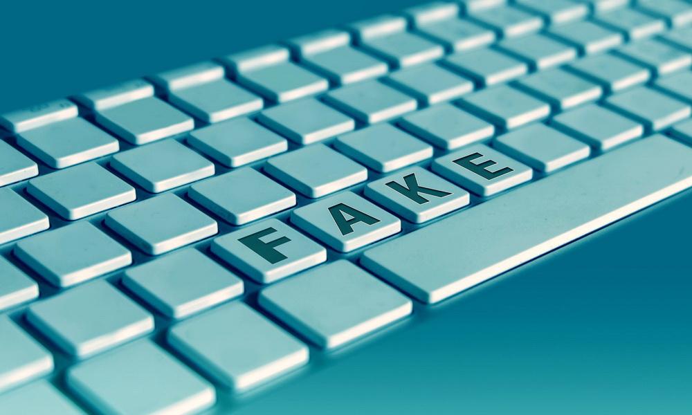 Fake News erkennen: Kinder vor Verschwörungstheorien schützen