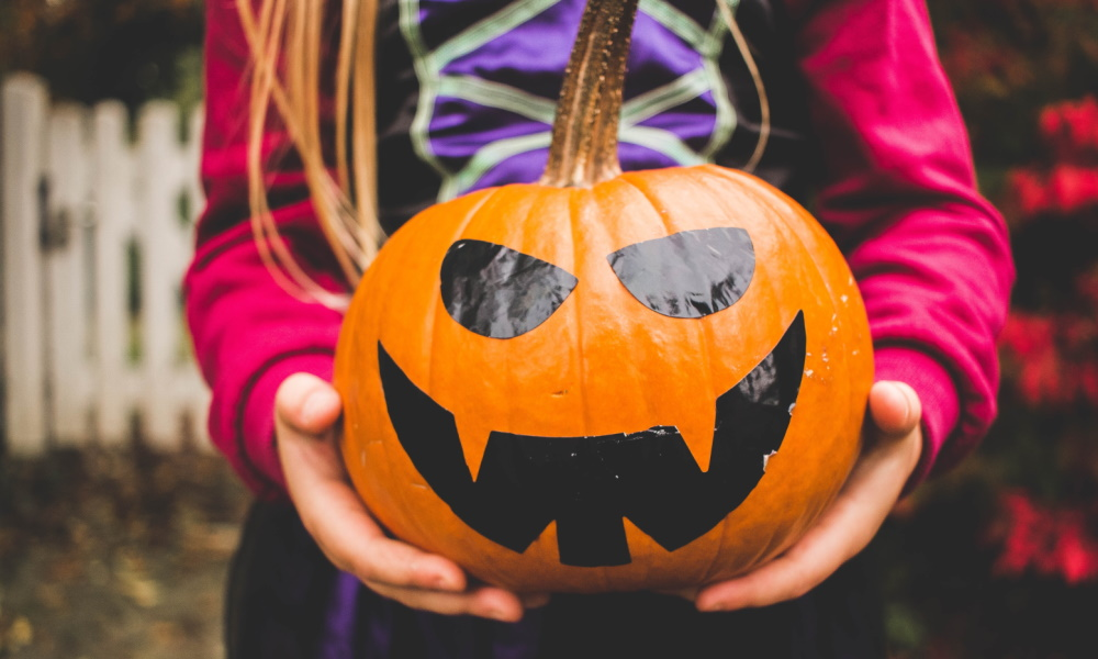 Halloween mit Kindern: Wartezeit überbrücken